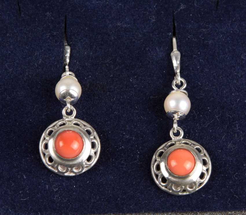 Earrings with angel skin coral - photo 1
