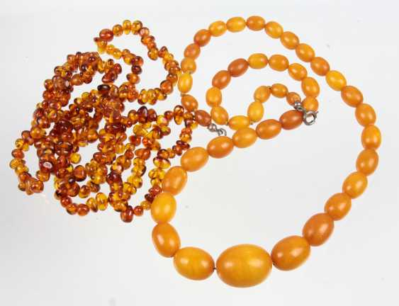 2 Amber Necklaces - photo 1