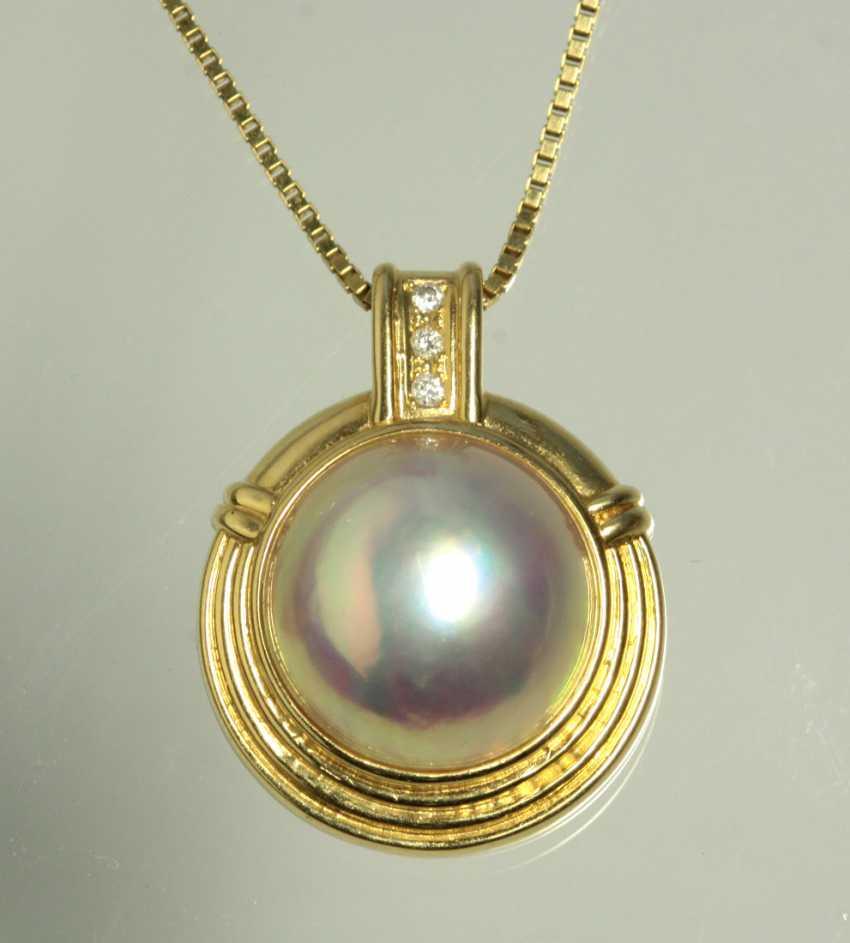 Mabeperl pendant with diamonds - yellow gold 750 - photo 1