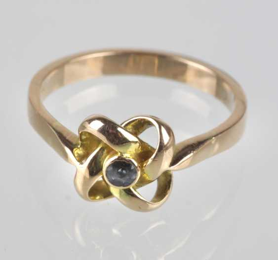 Ring with sapphire yellow gold 585 - photo 1