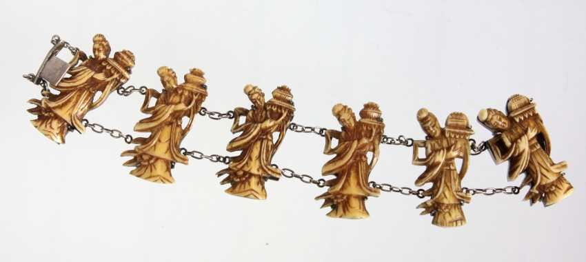 Bracelet with Asian carving - photo 1