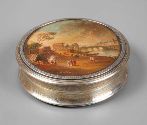 Silver box with miniature painting - photo 1