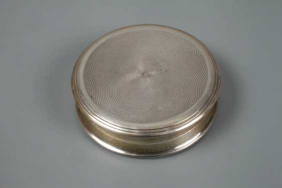 Silver box with miniature painting - photo 4