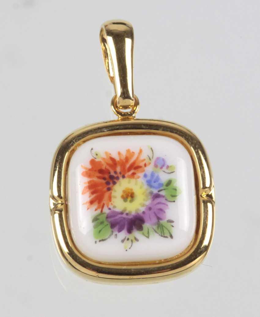 Meissen Flower Painting Pendant - photo 1