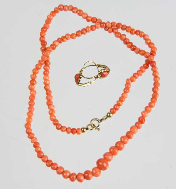 Coral earrings & necklace - photo 1