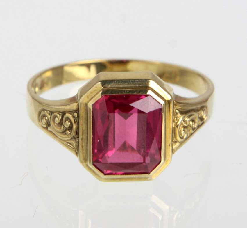Ladies ring with trim - yellow gold 333 - photo 1