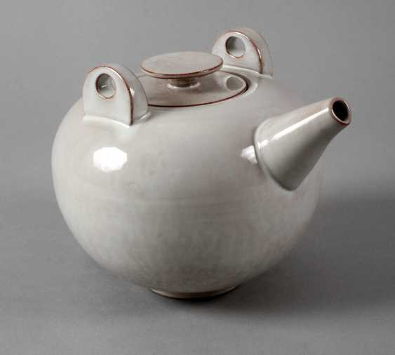 Karlsruhe Teapot By Otto Lindig - photo 1