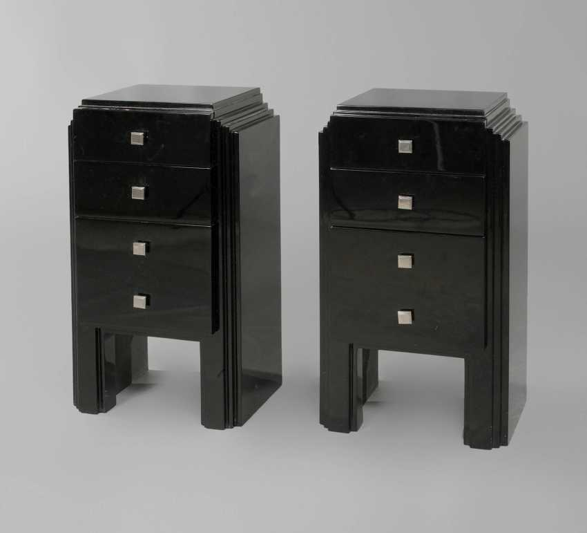 Couple of small arrow chests of drawers - photo 1