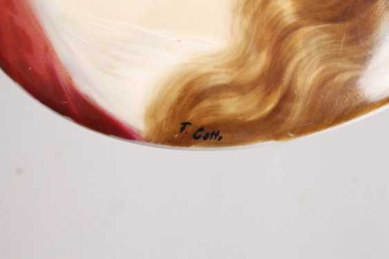 Porcelain plate with girl portrait - photo 3
