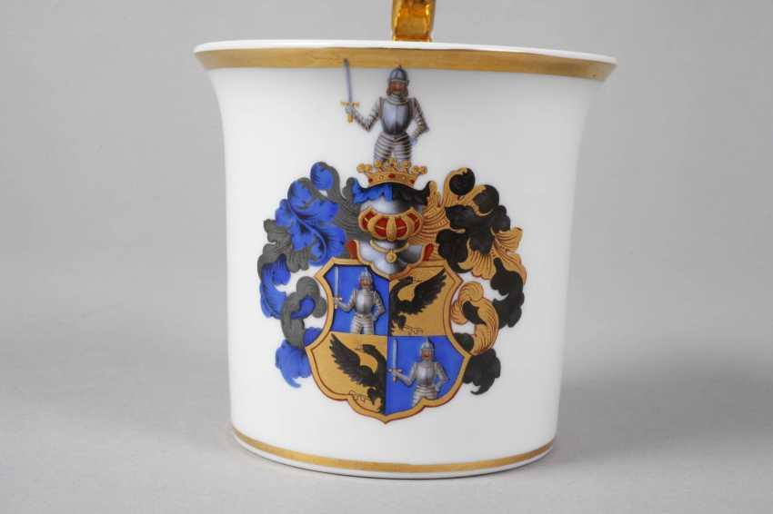 KPM Berlin coat of arms mug - photo 4