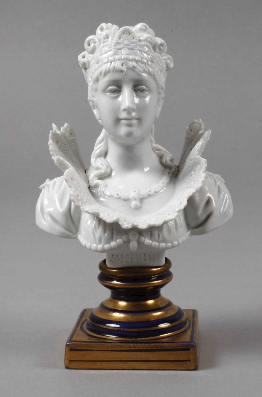 """Sevres small bust """"Josephine"""" - photo 1"""