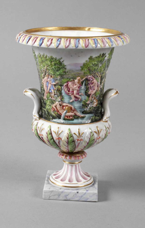 Crater vase in Capodimonte style - photo 1