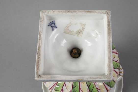 Crater vase in Capodimonte style - photo 6