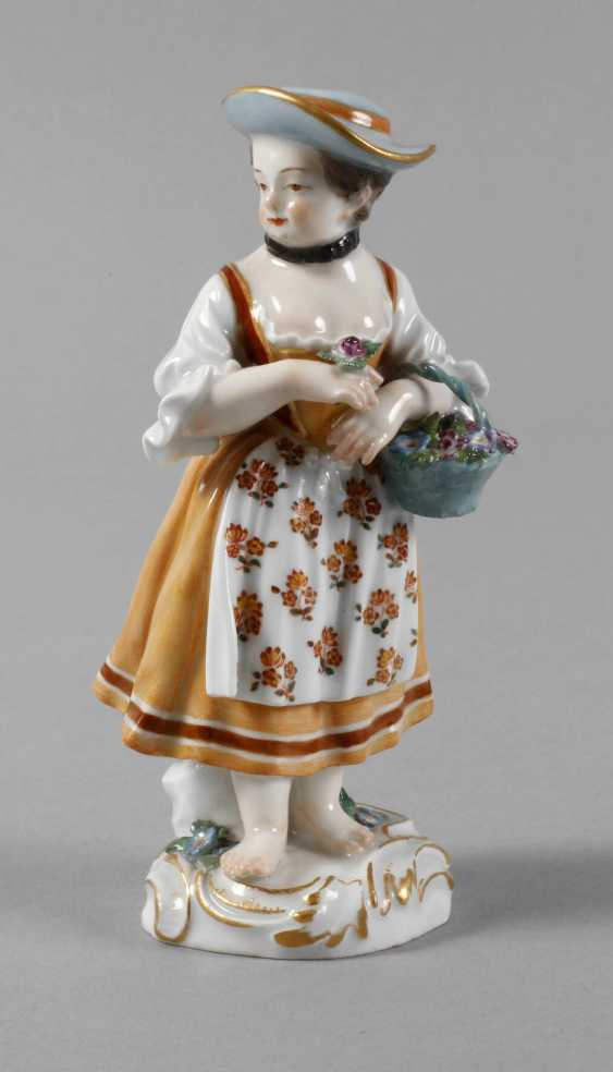 """Meissen """"gardener's child with flower basket"""" - photo 1"""