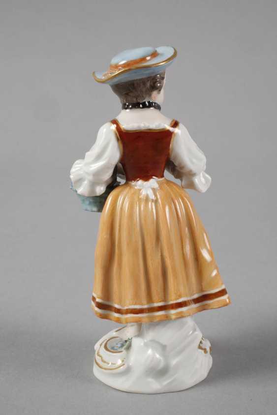 """Meissen """"gardener's child with flower basket"""" - photo 3"""