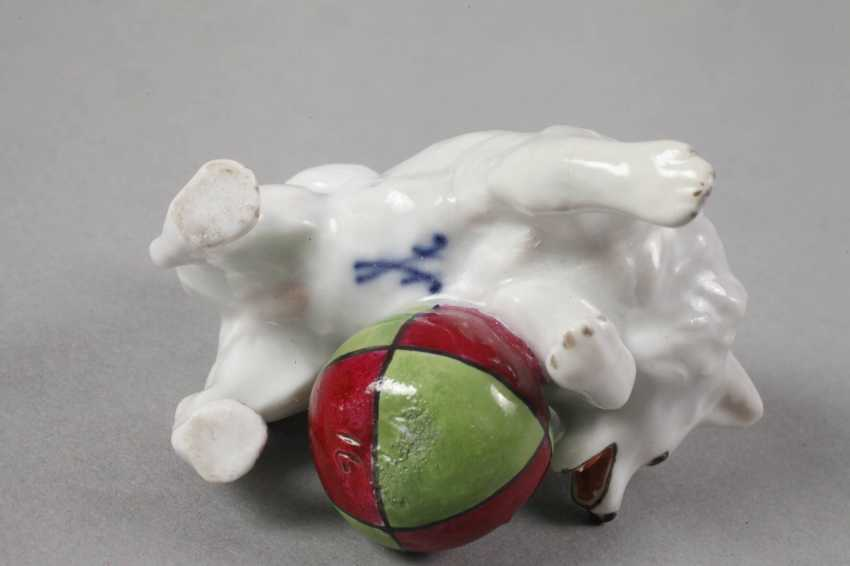 """Meissen miniature """"Small Spitz with a Ball"""" - photo 3"""