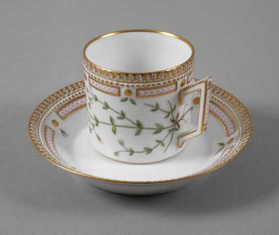 "Royal Copenhagen Kaffeetasse mit Untertasse ""Flora Danica"" - photo 1"