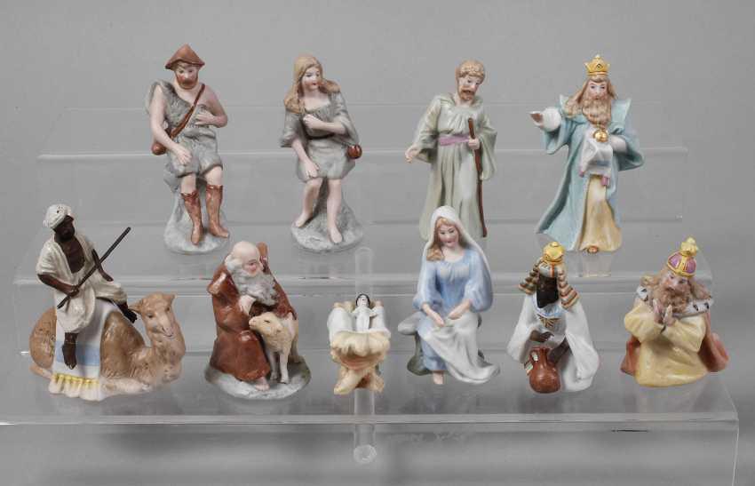 Nativity figures - photo 1