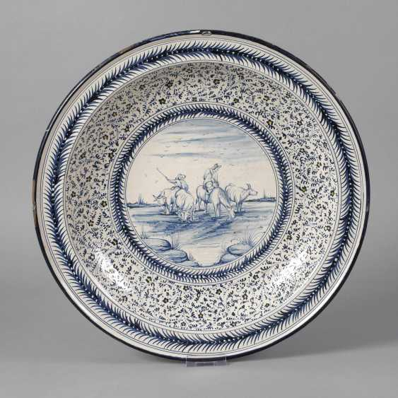 Large Delft Faience Bowl - photo 1