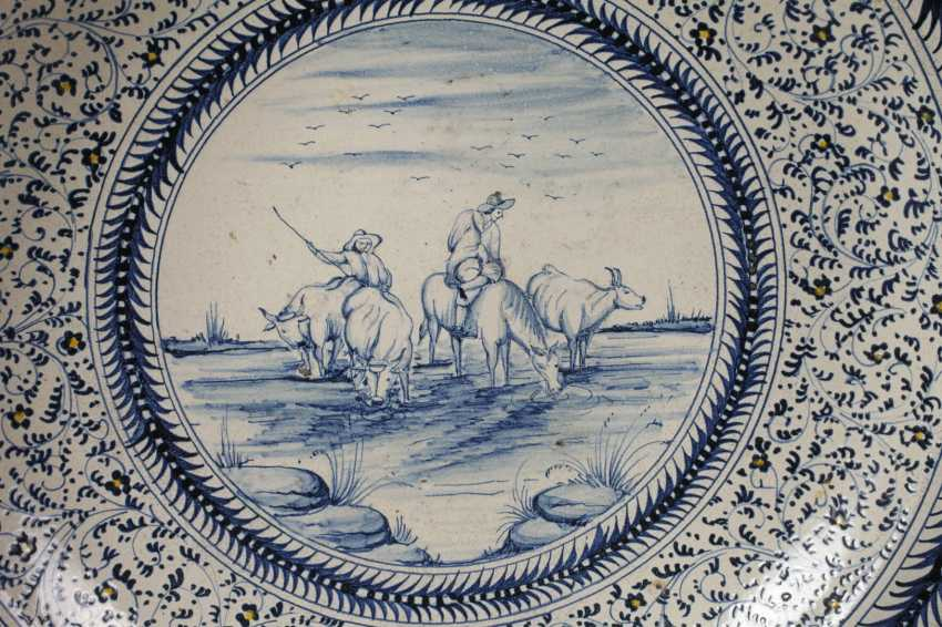 Large Delft Faience Bowl - photo 2