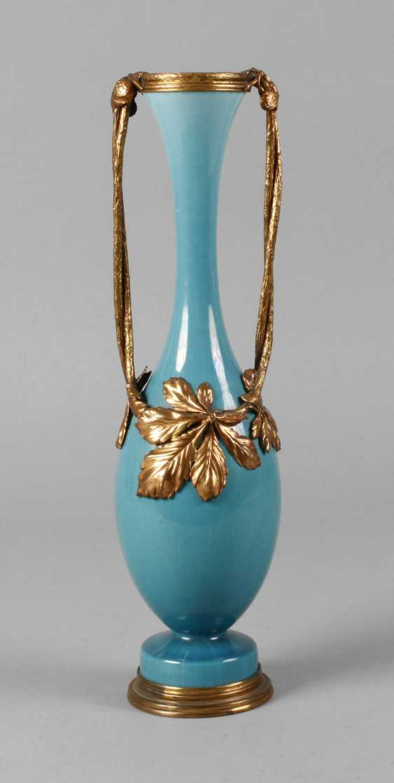 Art Nouveau vase with metal mount - photo 1