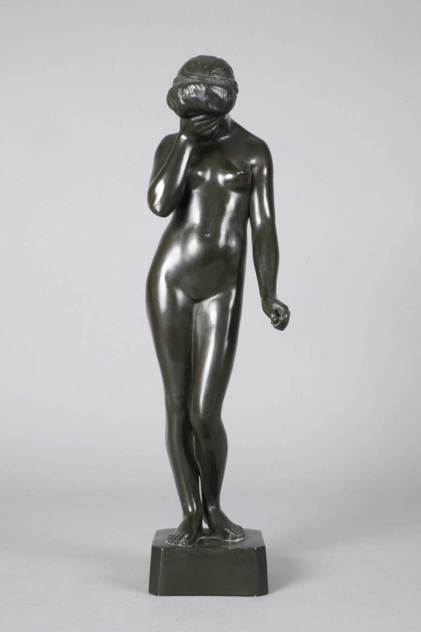 Ceramic figure of a standing female Nude - photo 2