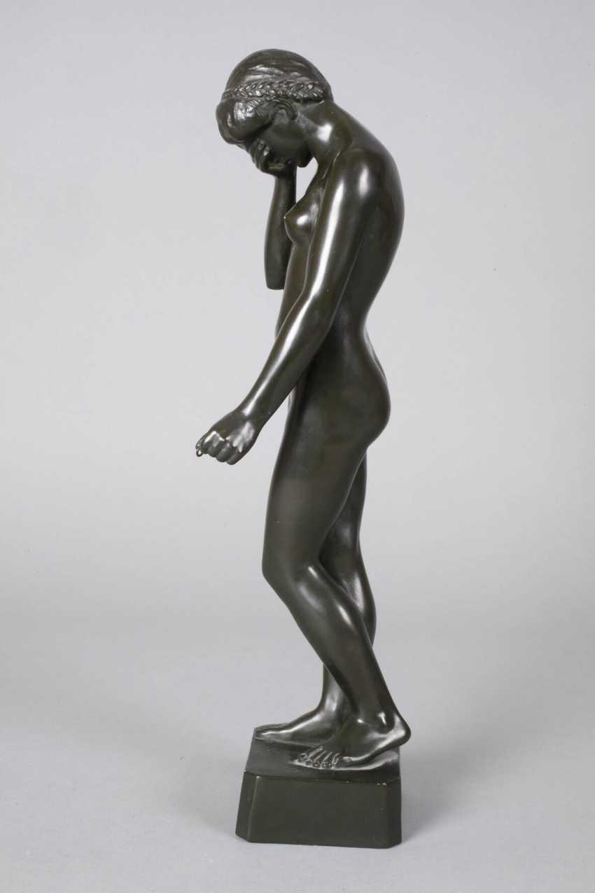 Ceramic figure of a standing female Nude - photo 3