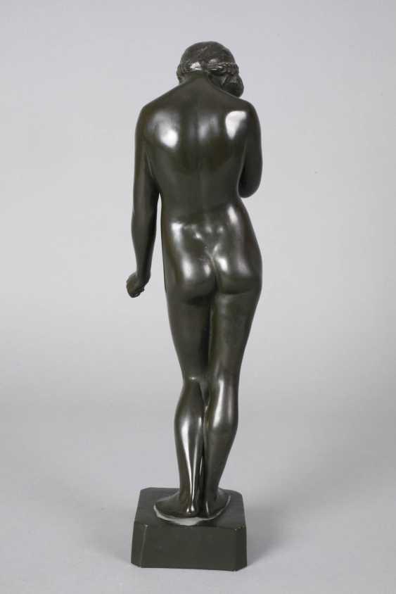Ceramic figure of a standing female Nude - photo 4