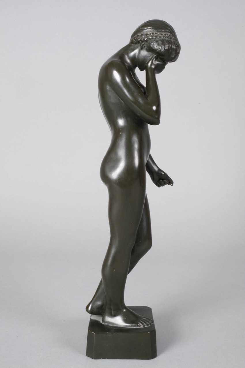 Ceramic figure of a standing female Nude - photo 5