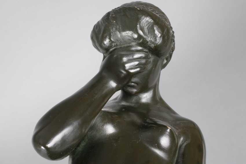 Ceramic figure of a standing female Nude - photo 6