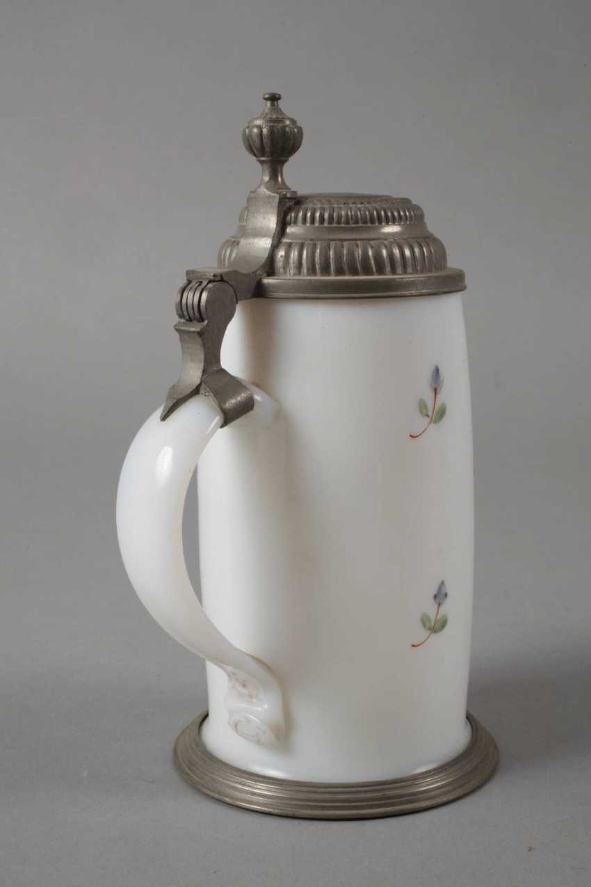 Milk glass pitcher - photo 2