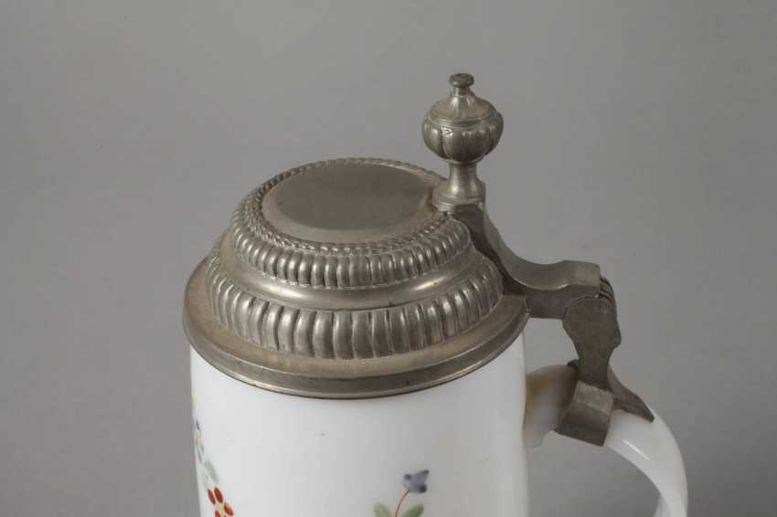 Milk glass pitcher - photo 4