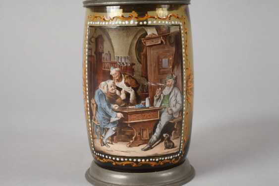 Beer mug with a tavern scene - photo 3
