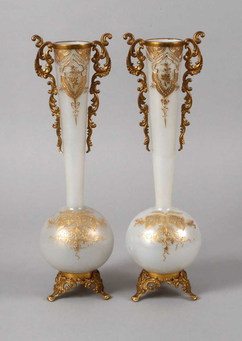 Couple of historicism vases with mount - photo 1