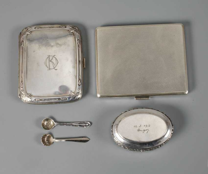 Three Silver boxes, and two spoons - photo 1