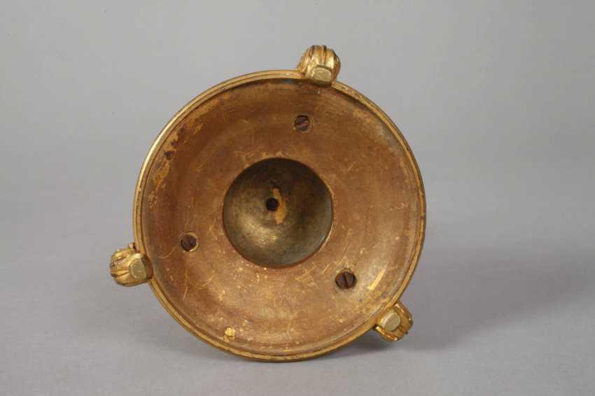 Pair of gilt bronze candlesticks - photo 4
