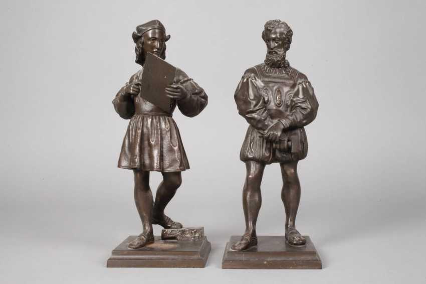Pair Of Cast Iron Figures - photo 2