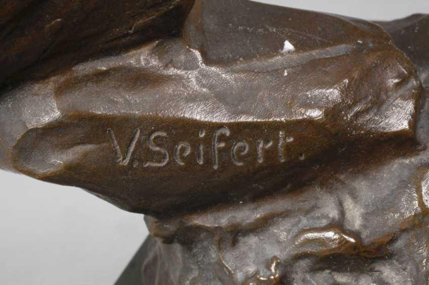 Victor Heinrich Seifert, The Water Bearer - photo 5