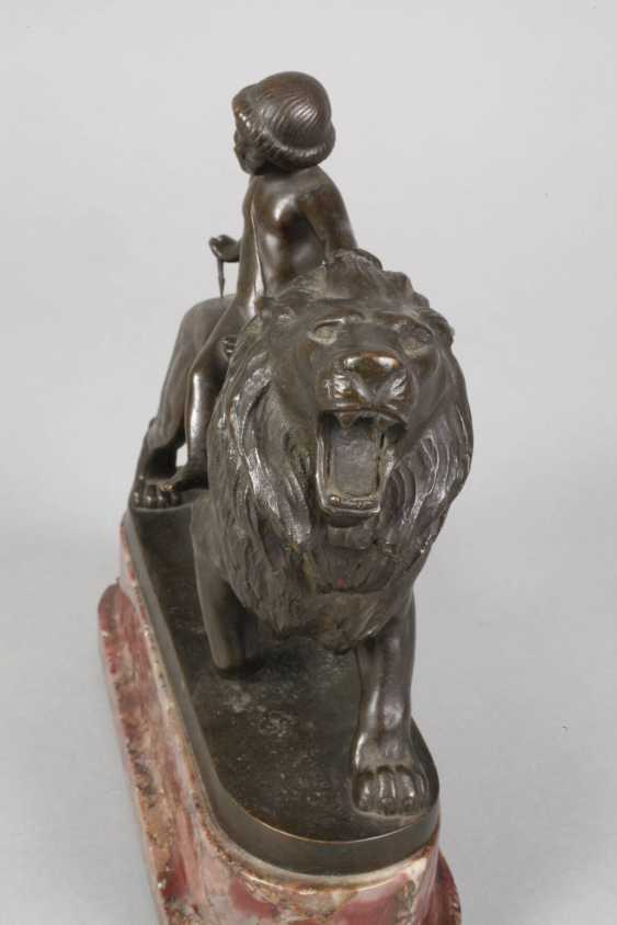 Max Valentin, Armor on lion - photo 6