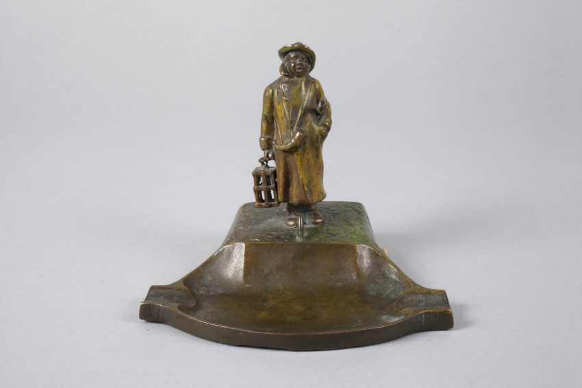 Vienna Bronze table bell with night watchman - photo 2