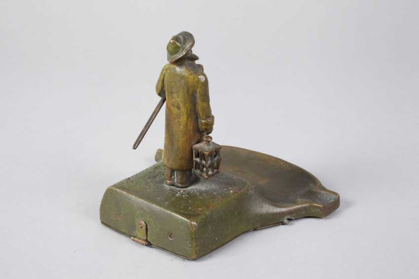 Vienna Bronze table bell with night watchman - photo 3