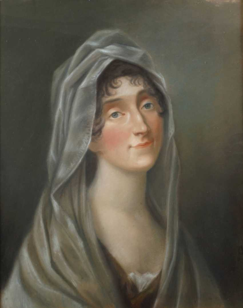 Lady with the veil - photo 1