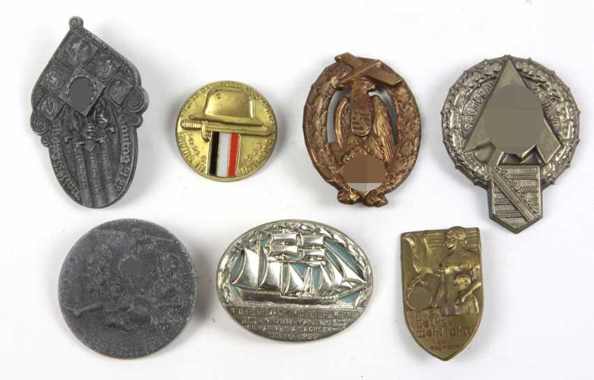 7 Anlaßabzeichen u.a. 1933/39 - photo 1