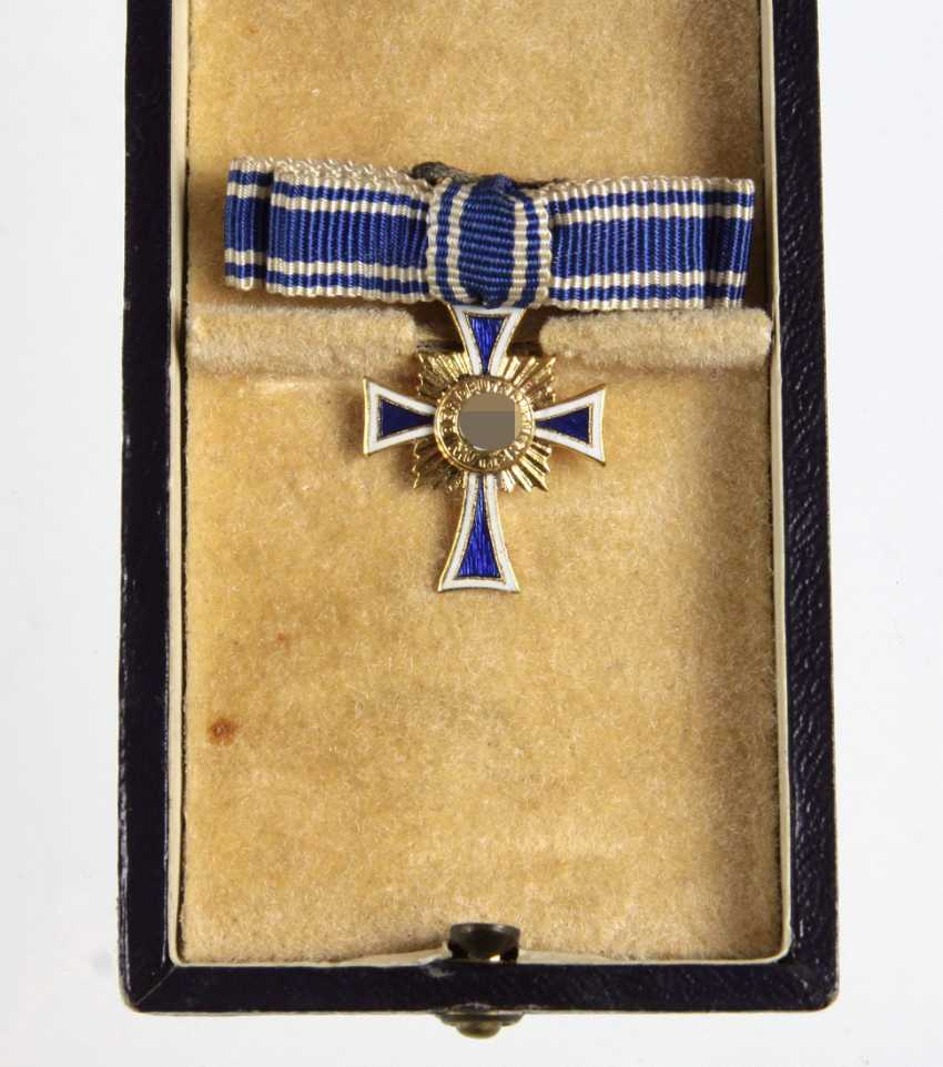 goldene Mutterkreuz Miniatur im Etui - photo 1