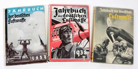 Jahrbuch der deutschen Luftwaffe 1937, 1938 u. 1939 - photo 1