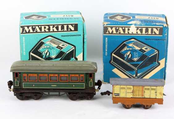 Märklin Eisenbahnwagen u. 2 Trafos u.a. - photo 1