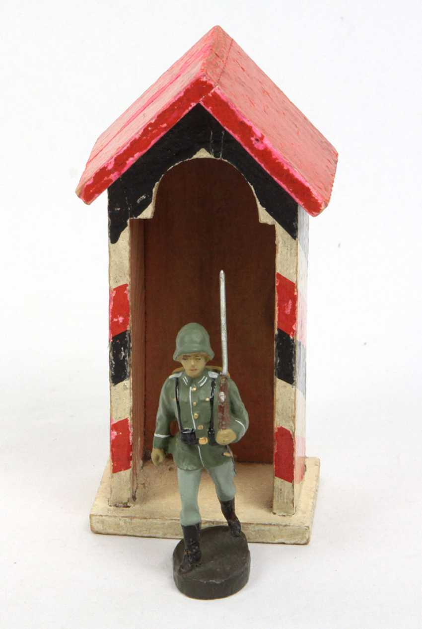 Soldat im Wachhaus - photo 1
