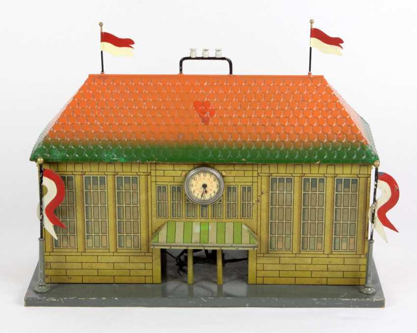 Plank Bahnhof mit 4 Fahnen - photo 1