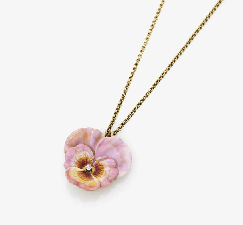 """Shorty-chain """"Pansy"""" with enamel and diamond - photo 1"""