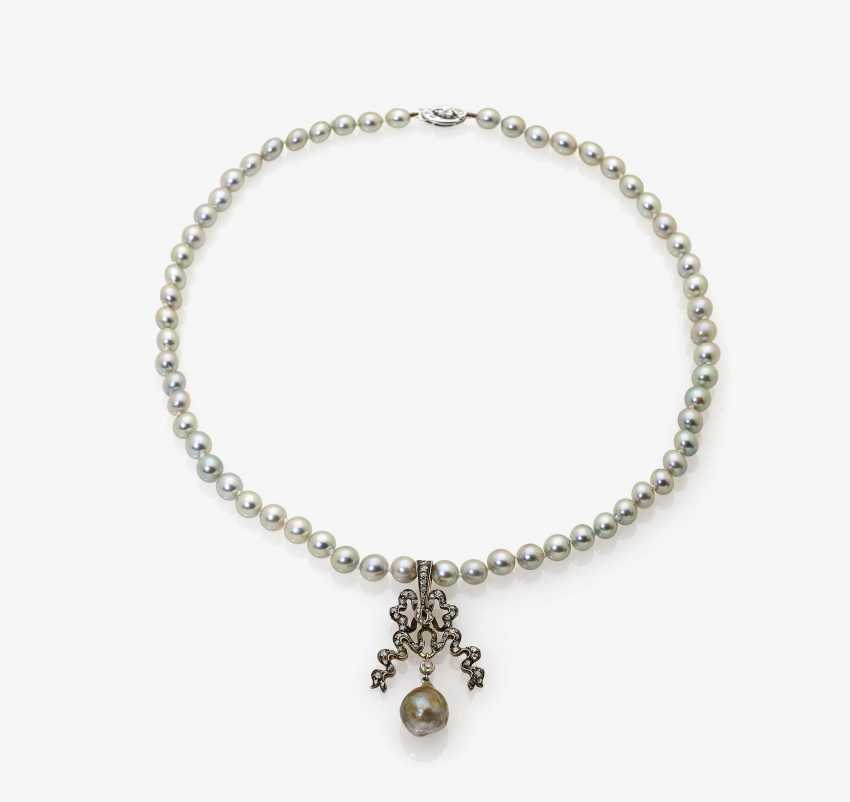 SET OF 4 PEARL BEADED BOWS 1035-C